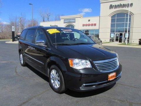 Certified Pre-Owned 2015 Chrysler Town & Country Limited FWD 4D Passenger Van
